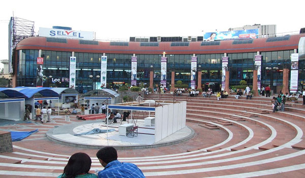 Ansal Plaza in Andrews Ganj