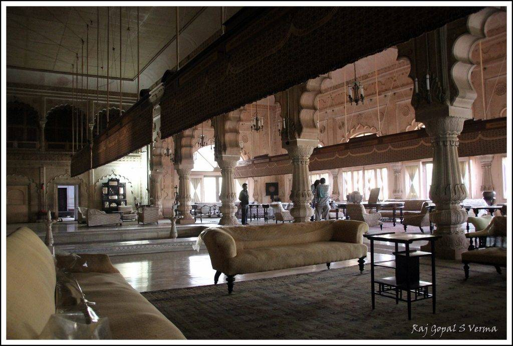 Deeg Palace Inside View