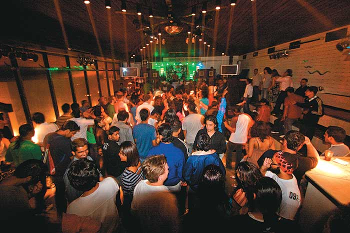 Top 10 Nightclubs In Delhi Ncr To Party Like Crazy Entry