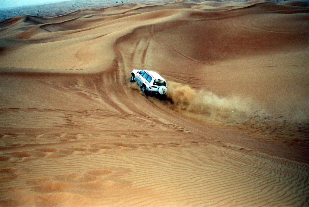 Dune Bashing in Jaisalmer : Place to visit with friends