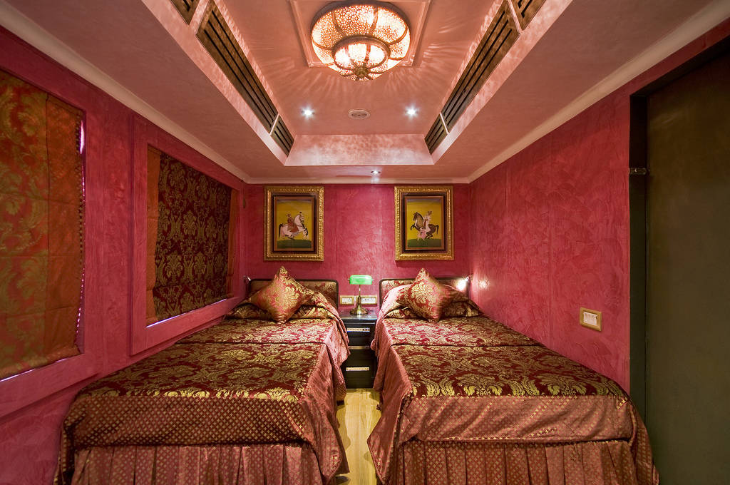Golden Chariot Room
