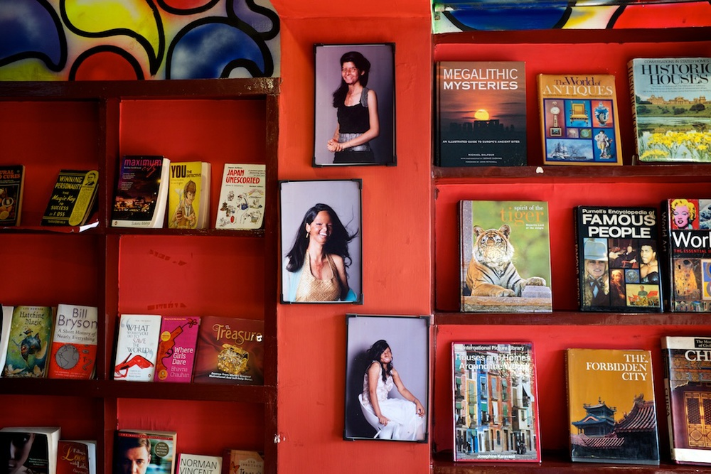 Sheroes Cafe Library
