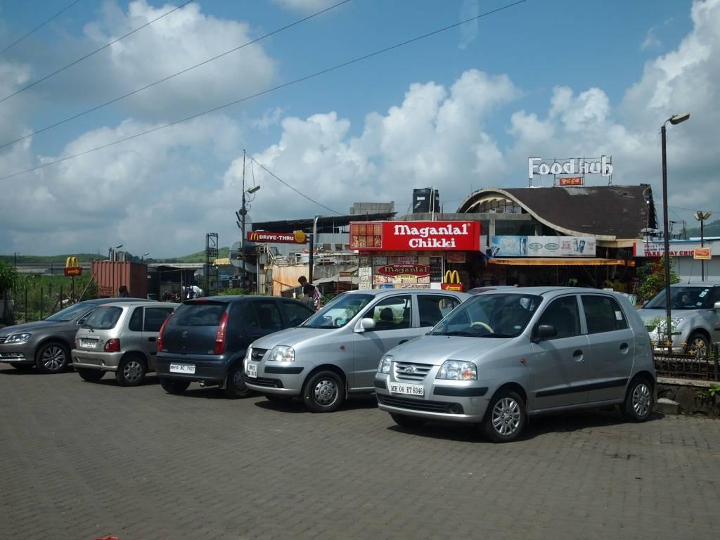Mumbai Pune Expressway Food Plaza