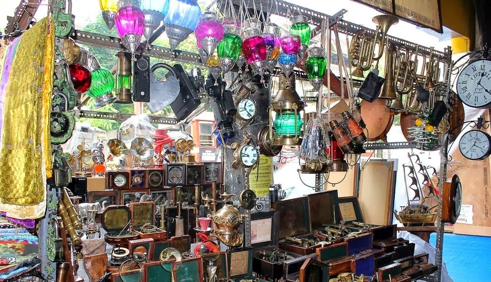 Chor Bazaar The most popular flea markets in Mumbai