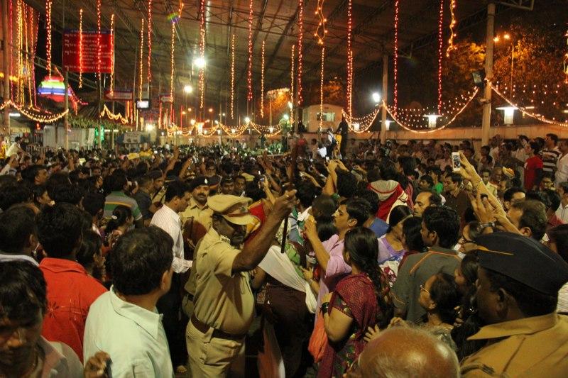 Crowded Siddhivinayak Temple