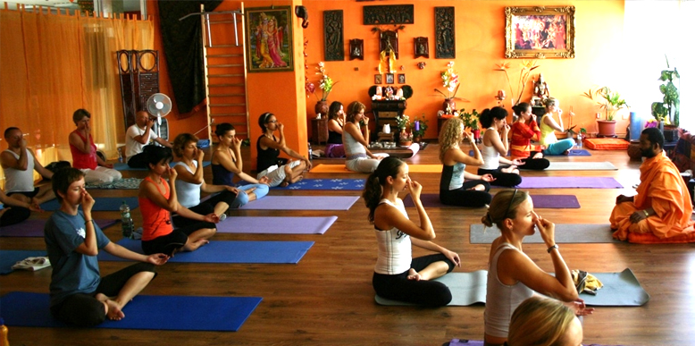 Top 10 Yoga Institutes in Delhi NCR