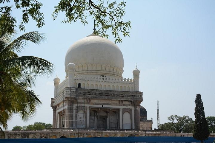 Tomb of Sultan Subhan Quli Qutub Shah