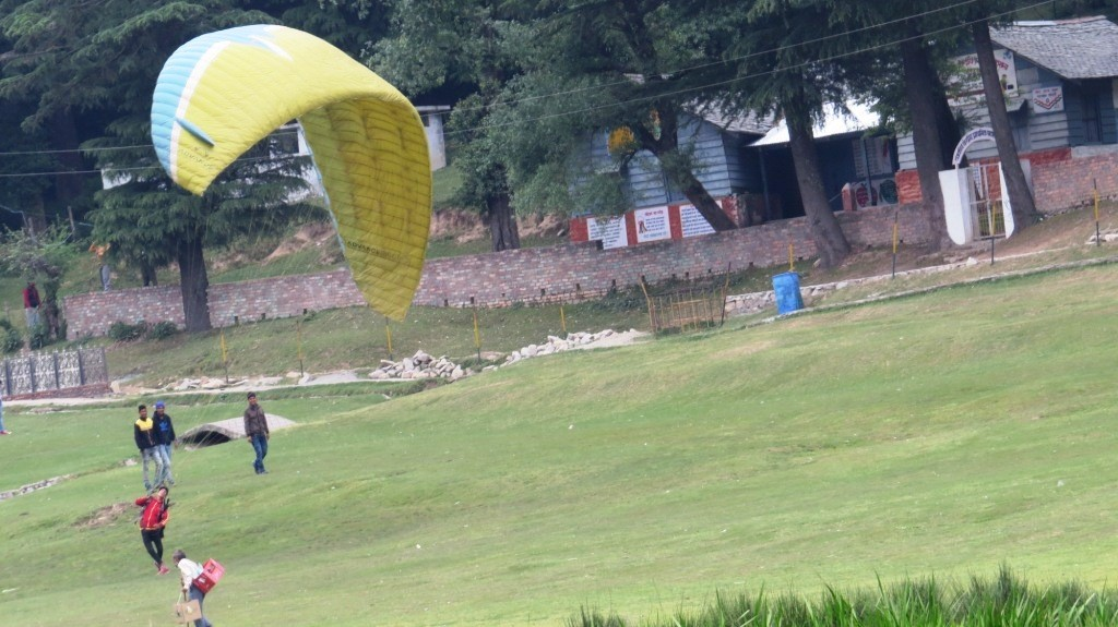 Paragliding in Khajjiar
