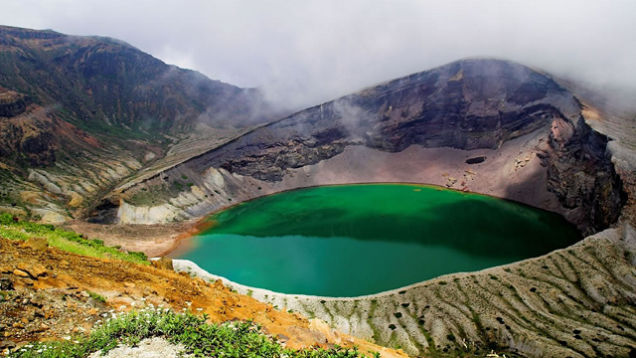 The Mysterious Lonar Lake of Maharashtra