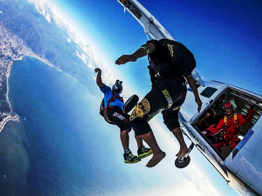 Sky Diving in Aamby Valley