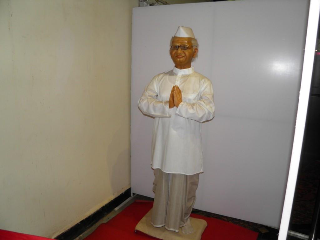 Anna Hazare Wax Statue