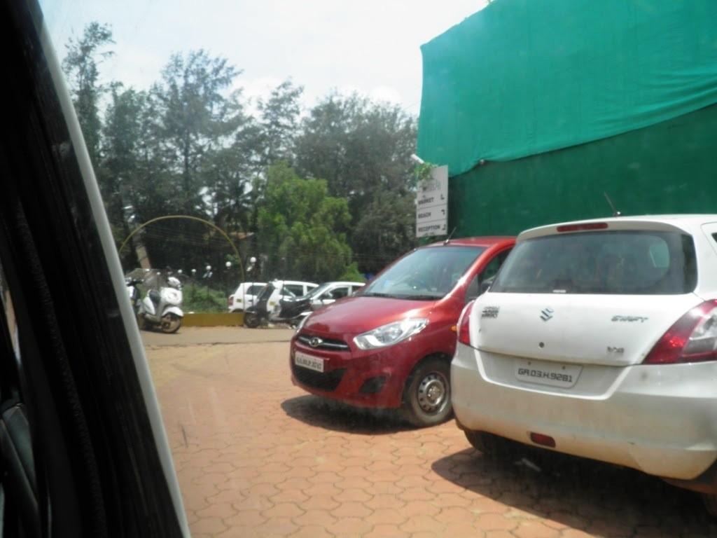 Estrela Do Mar Goa Parking