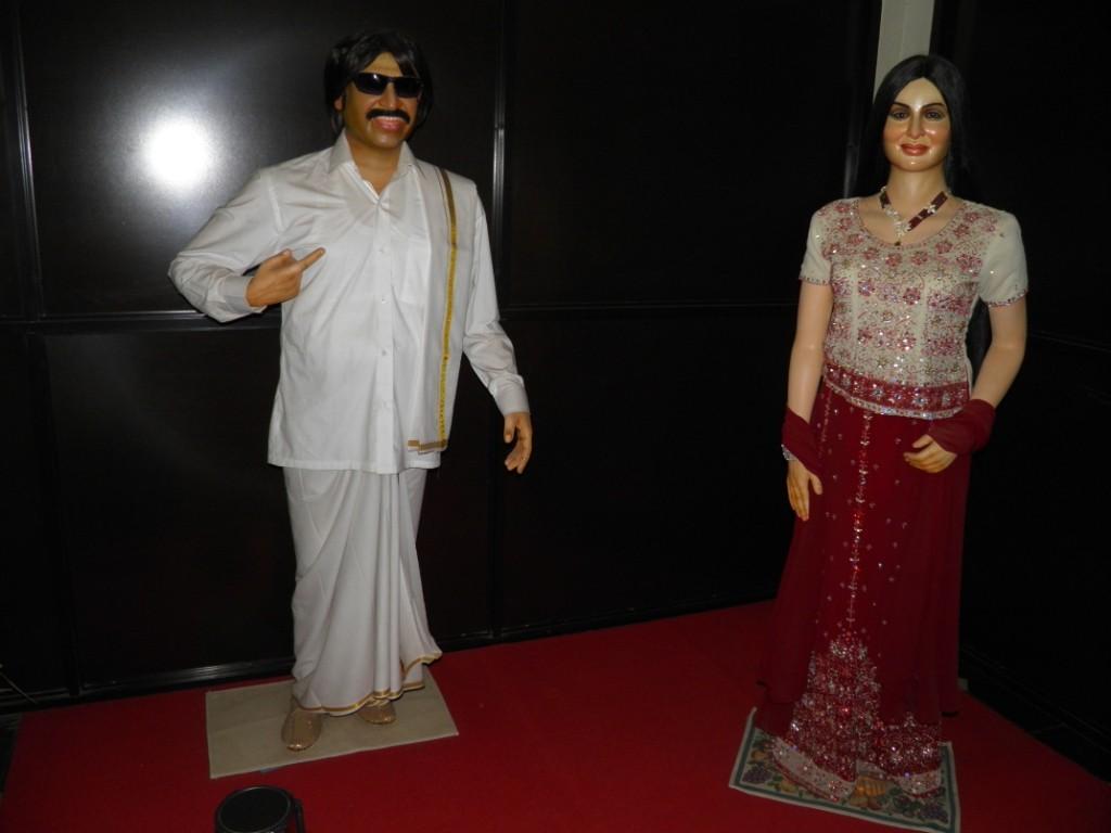 Rajnikanth & Kareena Kapoor Wax Statue