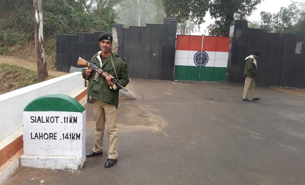 Suchetgarh-Sialkot Border
