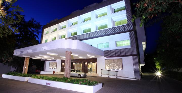 Hotel Abu Sarovar Portico, Kilpauk, Chennai New Year Party