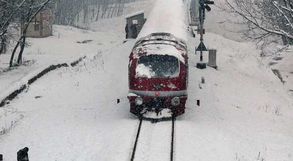 Top 10 Places in Jammu & Kashmir for Snowfall