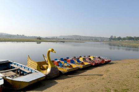 Damdaman Lake
