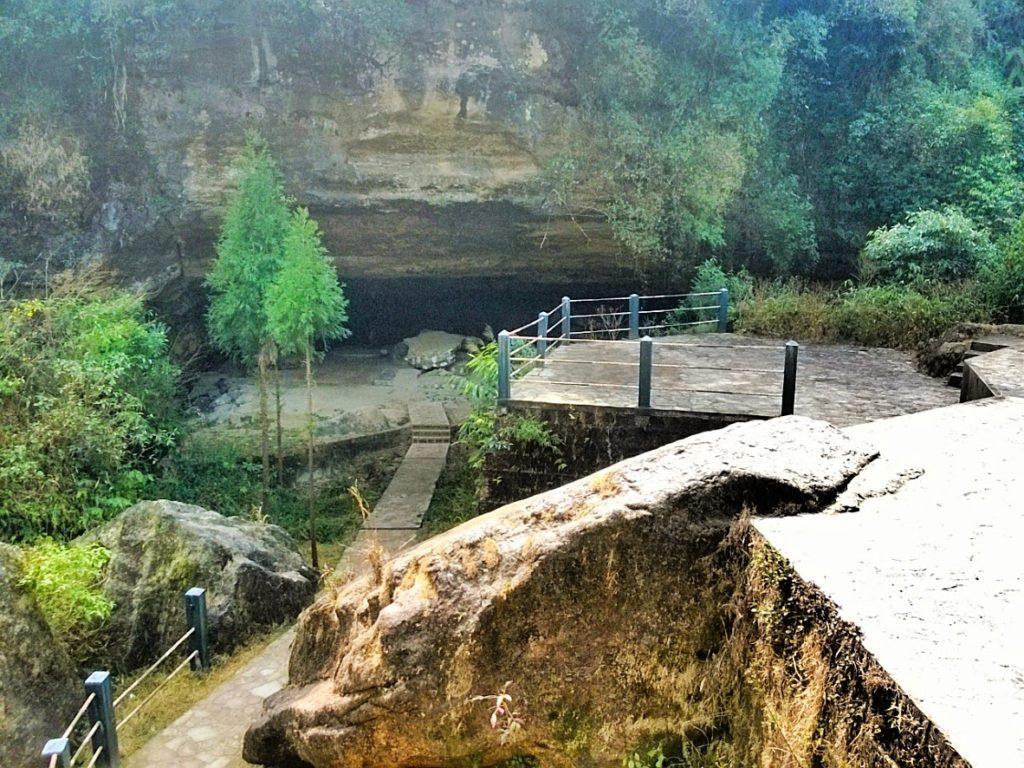 Mawjymbuin Caves
