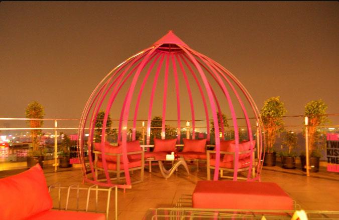 The Flying Saucer Sky Bar, Pune