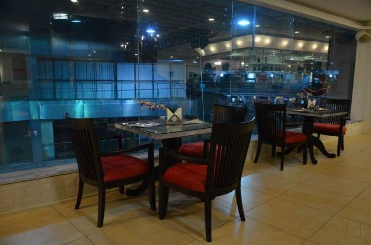 Victoria Club & Lounge, Indore