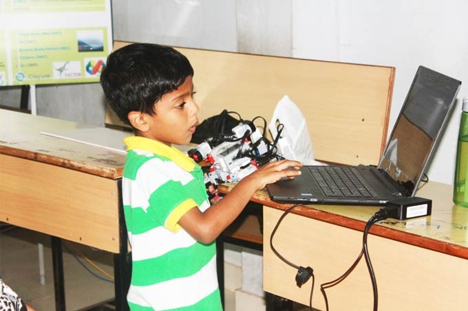 Saarang Sumesh - Youngest Robot Maker of India