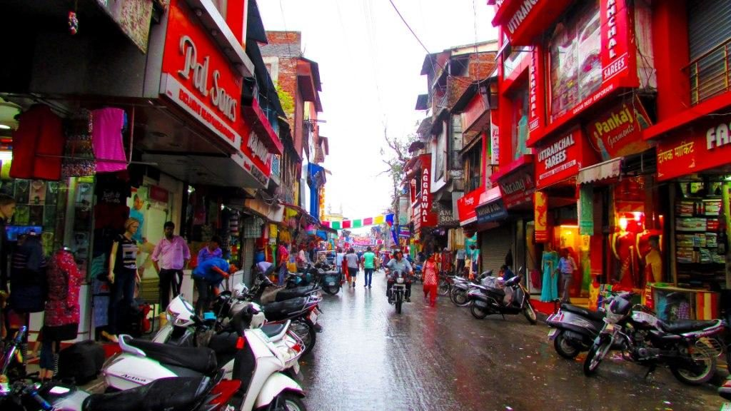 Paltan Bazaar, Dehradun