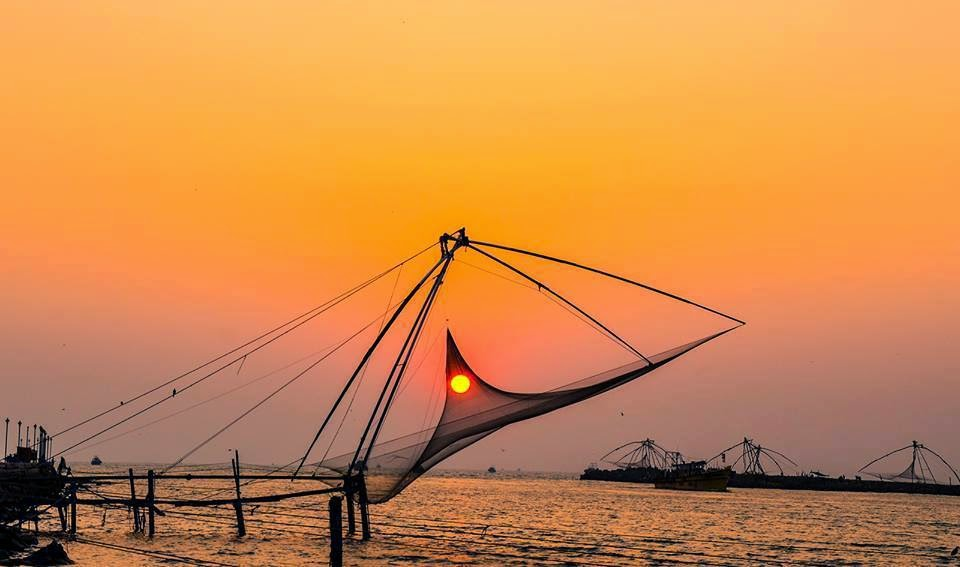 Witness the magnificence of the Chinese Fishing Nets