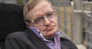 Stephen Hawkings' voice to be aired on space
