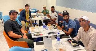 Vivek Oberoi Meets Jasprit Bumrah, Cheteshwar Pujara at Dubai Airport as They Chat About India's Historic Win Against Australia (View Post)